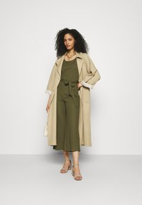 Anna Field - Belted sleeveless wide legs jumpsuit - Overall / Jumpsuit - green - 1