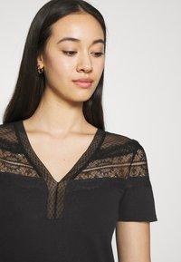 Morgan - DIETER - Basic T-shirt - noir - 3