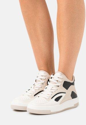 VEGAN TRAECLYA - Sneakersy wysokie - bone
