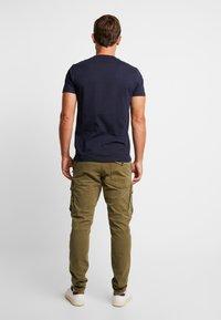 Dstrezzed - COMBAT PANTS  - Pantaloni cargo - army green - 2
