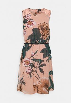 VMKATNISS SHORT DRESS - Robe d'été - misty rose/katniss