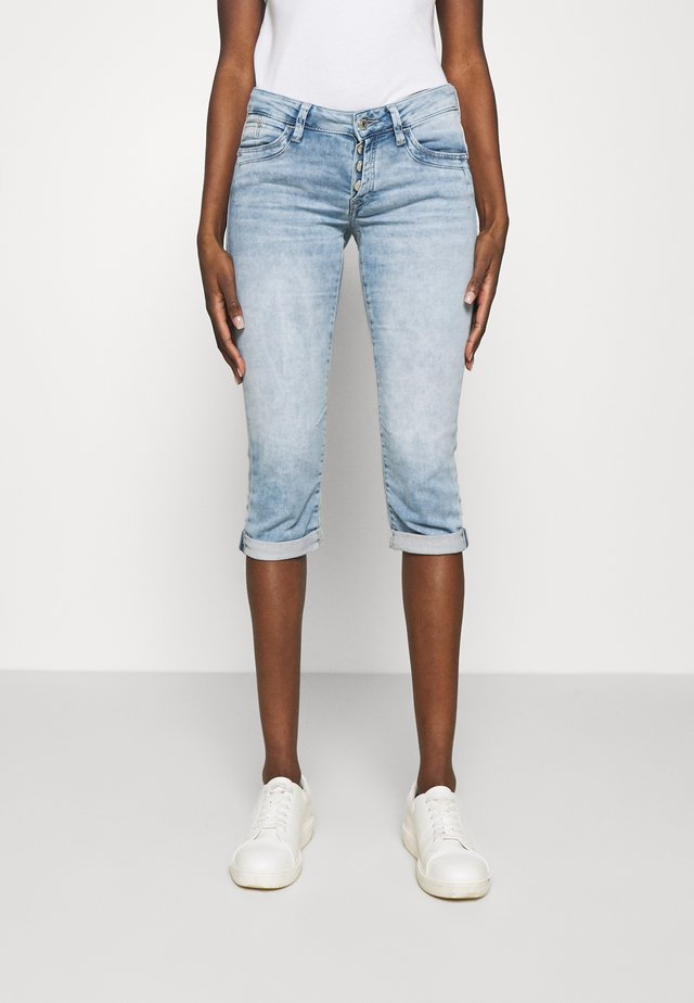 ALMA - Short en jean - light blue denim