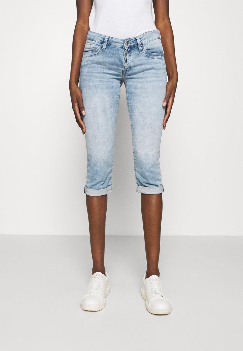 Mavi - ALMA - Denim shorts - light blue denim