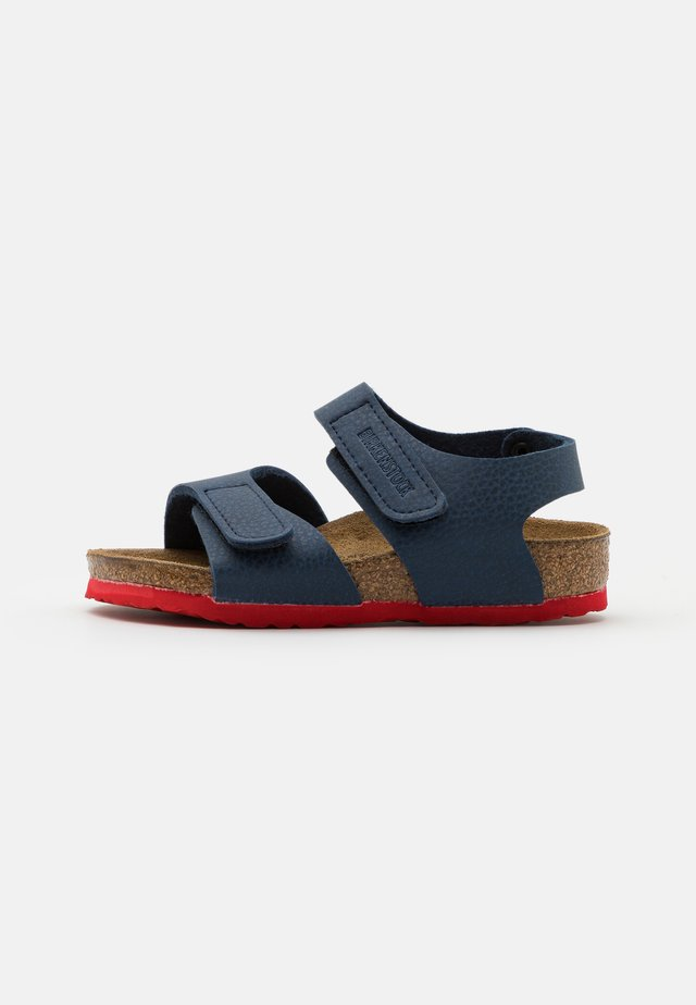 PALU LOGO  - Sandali - desert soil blue/red