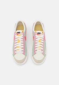 Nike Sportswear - BLAZER PLATFORM - Sneakers - seafoam/pink salt/sea glass/saturn gold - 5