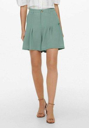 Shorts - chinois green