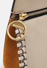 See by Chloé - TILDA MEDIUM - Handbag - cement beige - 5