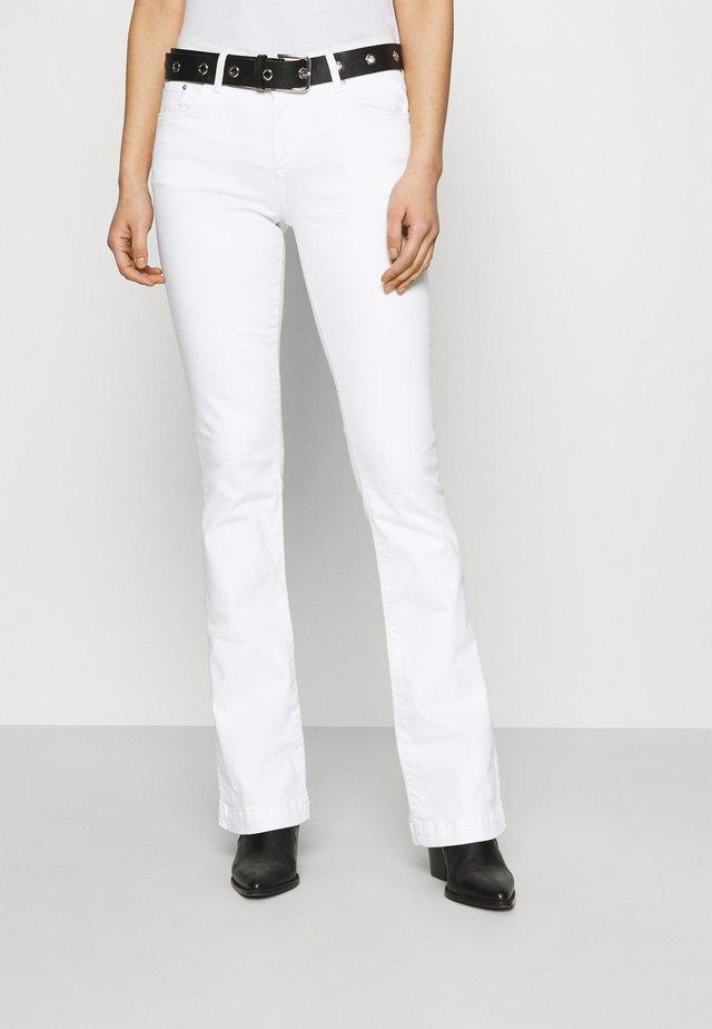 FALLON - Flared Jeans - marshmallow wash