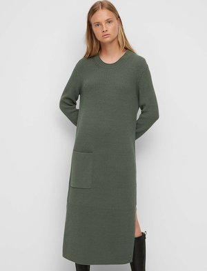 LONG DERESS WITH LONG SLEEVES ONE POCKET AND TWO SIDE SLITS - Jumper dress - olivia gray