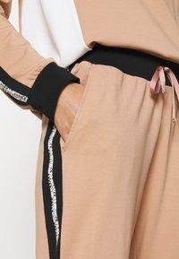 Liu Jo Jeans - PANTALONE FELPA - Spodnie treningowe - praline - 4