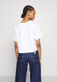 Nike Sportswear - T-shirt z nadrukiem - white/black - 2