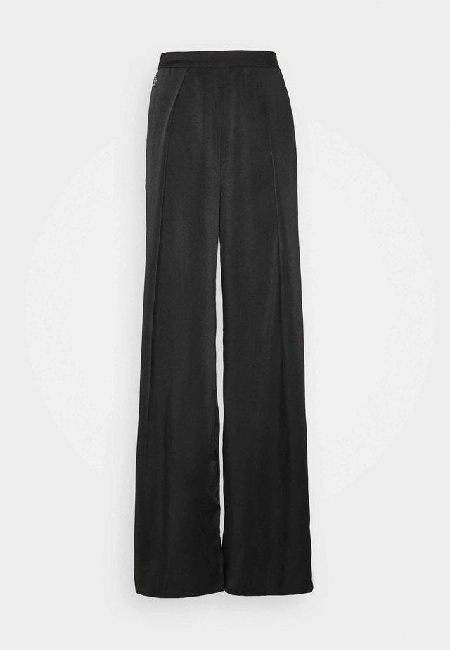 WIDE LEG TROUSERS - Pantalon classique - black