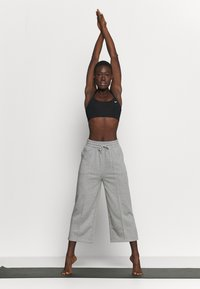 South Beach - CROPPED CITY PANT - Pantalones deportivos - grey - 1
