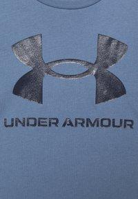 Under Armour - LIVE SPORTSTYLE GRAPHIC - T-shirt imprimé - mineral blue - 6