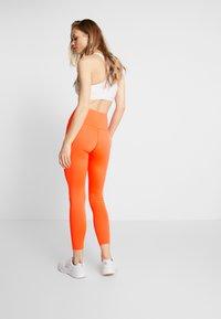 HIIT - BONNIE CORE LEGGING - Legginsy - orange - 2