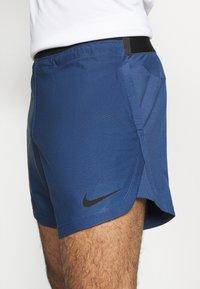 Nike Performance - SHORT - Short de sport - mystic navy/black - 4