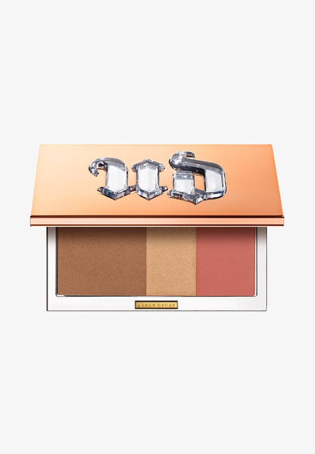 NAKED THREESOME - Face palette - fly