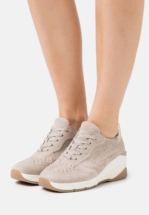 LACE UP - Sneakers laag - stone