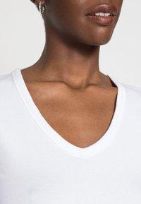 GAP - TEE - T-shirt basique - optic white - 4