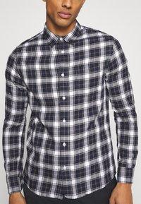 Burton Menswear London - LONG SLEEVE CHECK - Skjorta - navy - 4