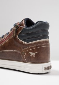 Mustang - High-top trainers - braun - 5