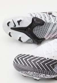 Nike Performance - MERCURIAL 7 PRO MDS FG - Moulded stud football boots - white/black - 5