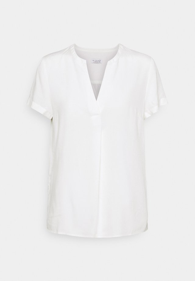 BLOUSE WITH PLEAT - Jednoduché triko - white