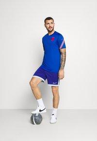 Nike Performance - ENGLAND - Club wear - sport royal/challenge red - 1
