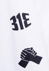 Carhartt WIP - TAB - Long sleeved top - white/black - 5