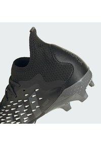 adidas Performance - PREDATOR FREAK .1 FG UNISEX - Korki Lanki - core black/grey four/ftwr white - 9