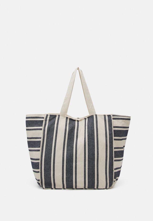 PCLINA LARGE SHOPPER - Shopping bag - sky captain