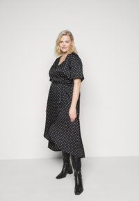 New Look Curves - MARK MAKING - Day dress - black - 3