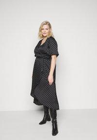 New Look Curves - MARK MAKING - Denní šaty - black - 3