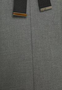 MAX&Co. - OIL - Day dress - medium grey pattern - 2