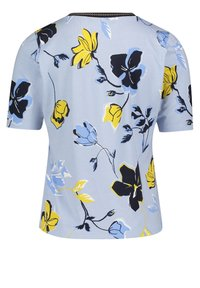 Betty Barclay - Print T-shirt - light blue cream - 4