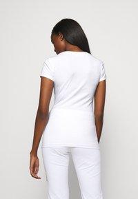 Love Moschino - T-shirt imprimé - white - 2