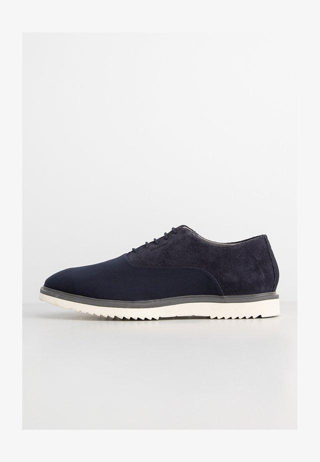 BRAD  - Sznurowane obuwie sportowe - darkblue