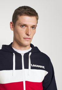 Lacoste - Mikina na zip - navy blue/red/white - 4
