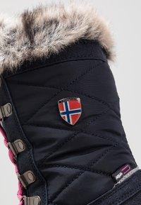 TrollKids - HOLMENKOLLEN UNISEX - Winter boots - navy/magenta - 2