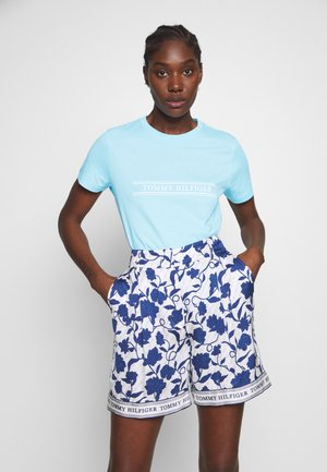 REGULAR - T-shirt z nadrukiem - sail blue