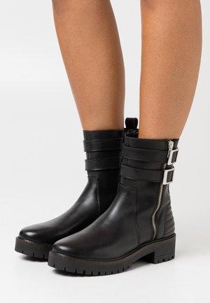 YASIRISA BOOTS - Cowboy/biker ankle boot - black