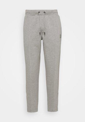 SIGNATURE PINTUCK - Pantaloni sportivi - medium grey heather