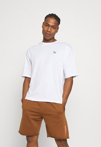 YOURTURN - UNISEX - T-shirts med print - white - 0