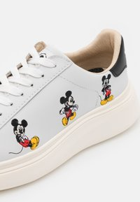 MOA - Master of Arts - DOUBLE GALLERY - Sneakers - white - 6
