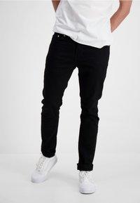 Lindbergh - LINDBERGH  - Slim fit jeans - junk black - 0