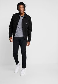 New Look - WESTERN - Denim jacket - black - 1