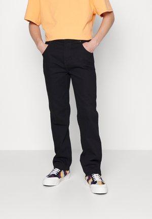 HOUSTON - Straight leg -farkut - rinsed black