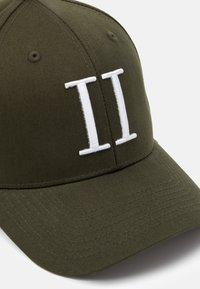 Les Deux - BASEBALL CAP - Cap - dark green/white - 4