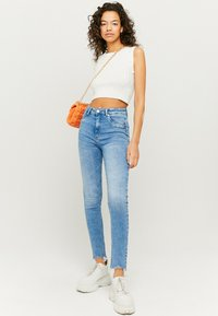 TALLY WEiJL - HIGH WAIST PUSH UP SKINNY JEANS - Jeans Skinny Fit - blu - 1