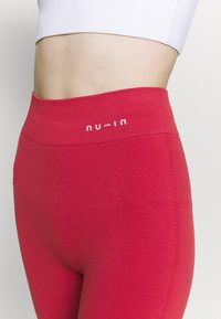 NU-IN - HIGH WAIST COMPRESSION SHORTS - Leggings - red - 3